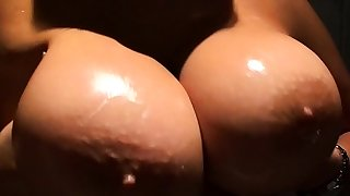 Busty GILF taunts with her..