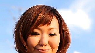 Pretty mature Sayuri Kinsei..