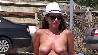 Beach cabin voyeur