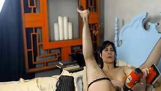 Milf Screwing Her Vagina..