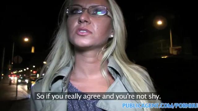 PublicAgent Warm blonde..