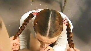Swingeing brunette Vivianna..